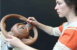 02-The-new-MINI-Steering-wheel-clay-modeling-260x170
