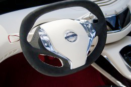 Nissan-Ellure-Concept-Steering-Wheel-260x173